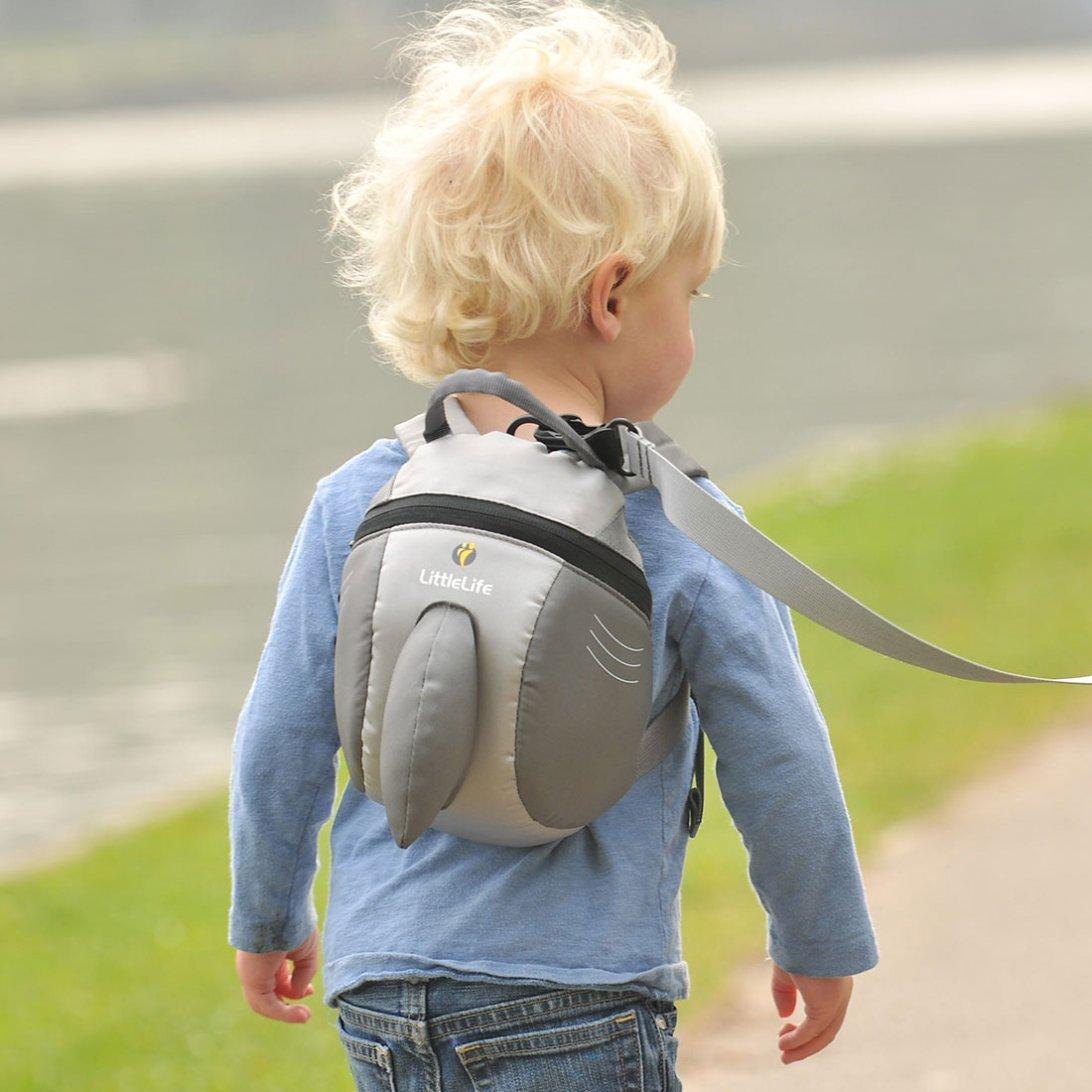 shark backpack with rein toddler backpacks littlelife. Black Bedroom Furniture Sets. Home Design Ideas