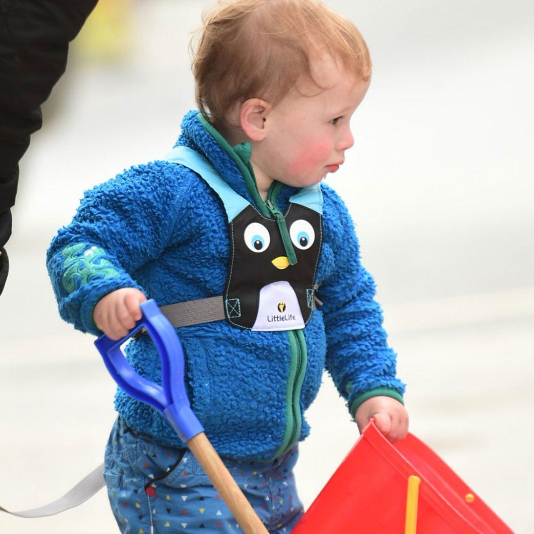 penguin toddler reins child reins littlelife. Black Bedroom Furniture Sets. Home Design Ideas